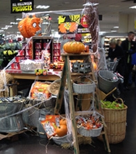 Pumpkins, hand-finished ladders, baskets, metal, glavanised tubs & metal baskets